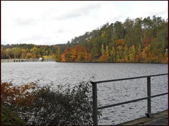 Herbst an der Weidatalsperre