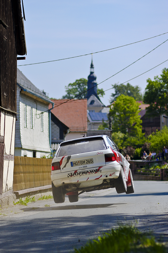Für Flitzpiepe: Sprungkuppe Crispendorf, Thüringen Rallye 2011
