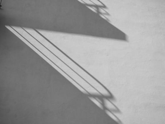 Bauhaus wirft lange Schatten
