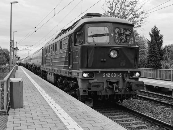 242 001-6  DEUTSCHE REICHSBAHN - POWER aus WOROSCHILOWGRAD
