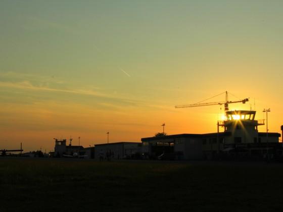Flugplatz in der Abendsonne